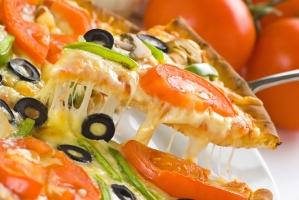 Пицца с томатами (на дрожжевом тесте)