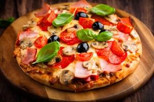 Домашняя пицца на сковороде (на сметанном тесте)