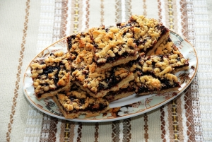 Ореховый пирог с вареньем