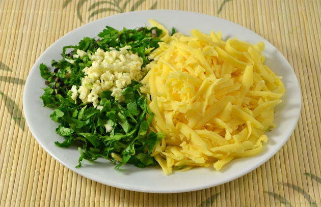 Стейк с начинкой из сыра и соусом санрайз-томат, пошаговый рецепт с фото