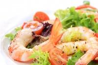 Низкокалорийный салат с креветками