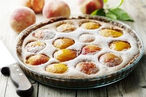 Дрожжевой пирог с персиками