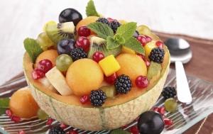 Салат «Ежевика в апельсинах»