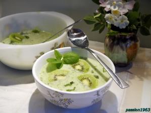 Суп огуречный с киви