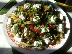 Салат с перцем и брынзой