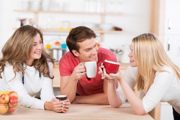 Пригласите в гости друзей
