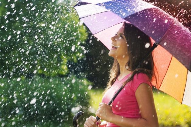 Радуйтесь жизни, сияйте, излучайте свет и будьте счастливы!