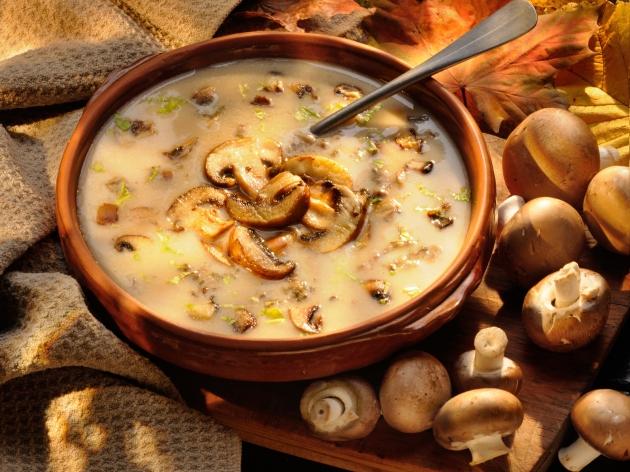 Классический суп-пюре из шампиньонов