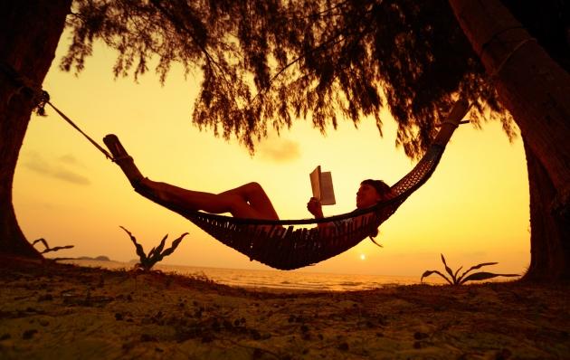 Хороших вам книг, интересных сюжетов и настоящего счастья!
