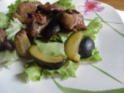 Салат со сливами и курицей