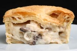 Пирог с начинкой из вешенок и картофеля