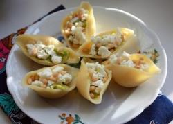 Макароны, фаршированные с авокадо
