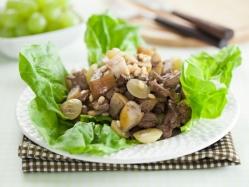 Теплый салат с грушей и печенкой – для домашнего обеда