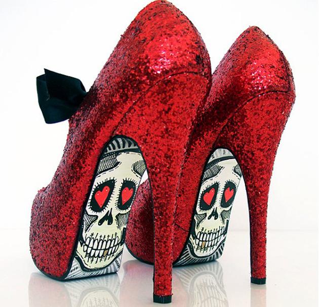 Необычные решения для обычной обуви сезона 2011 - 2012