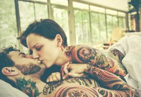 Как обезопасить себя во время нанесения татуировки?