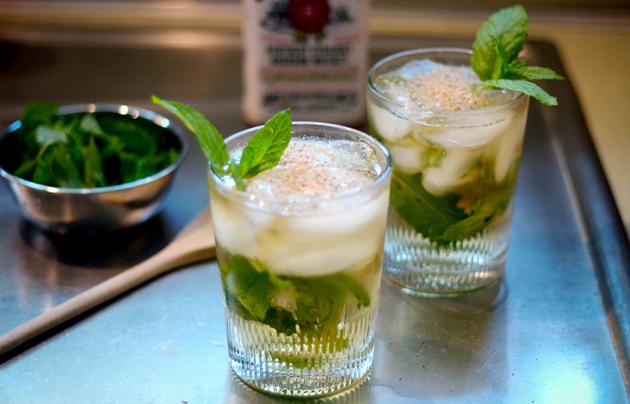Рецепты алкогольных и слабоалкогольных коктейлей.