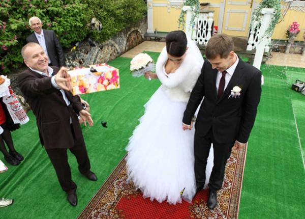 салют из бабочек на свадьбу