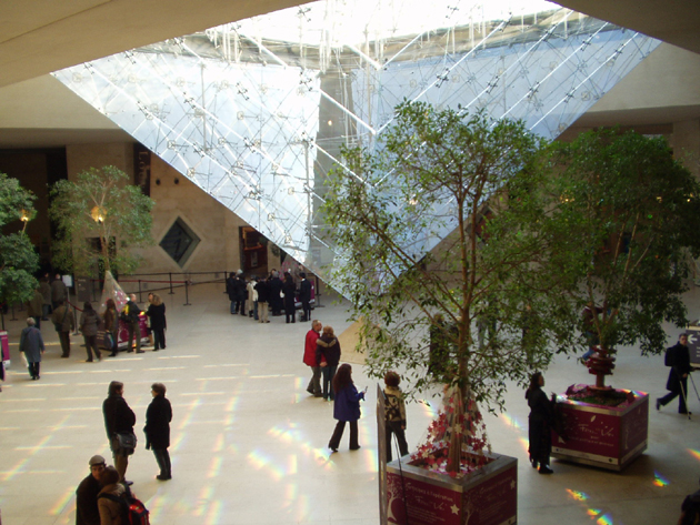 Торговый центр Carrousel du Louvre