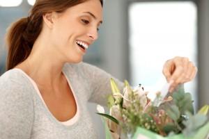 Что подарить подруге на 8 марта 2012