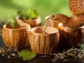 Восхитительные маски для лица из черного и зеленого чая (рецепты)