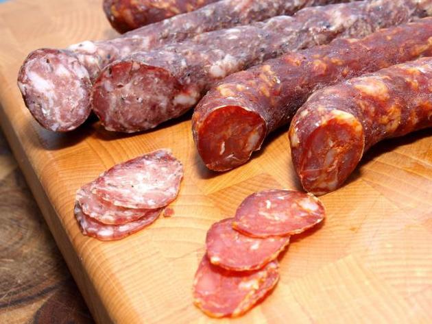 Салями – мясной деликатес итальянских крестьян