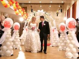 Праздничные украшения из воздушных шаров