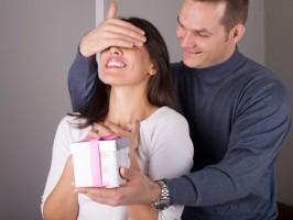 Что подарить девушке на 30 лет