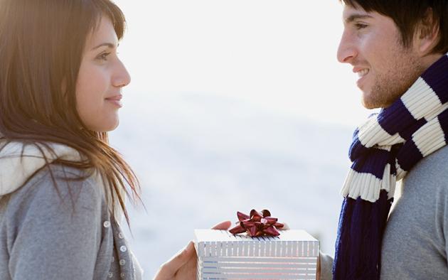 Что подарить девушке на 25 лет