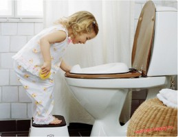 Как правильно приучить ребенка ходить на горшок