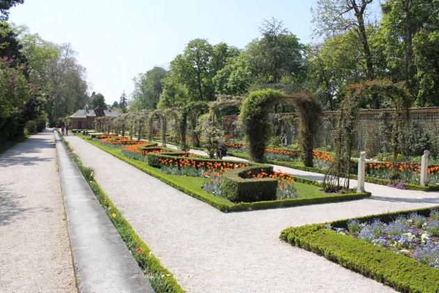 Парк Багатель (Parc de Bagatelle)