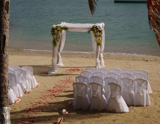 Украшения и аксессуары для пляжной свадьбы