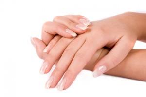 Уход за наращенными ногтями