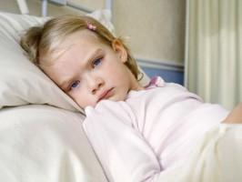 Болеет один ребенок - лечить надо всю семью