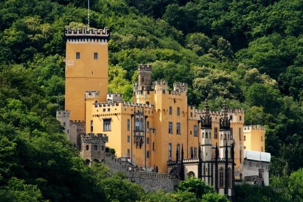 Замок Штольценфельс