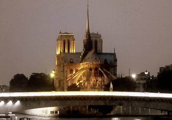 "Мост Нотр-Дам ""Чертов мост"" (Pont Notre-Dame)"