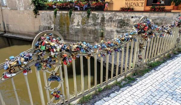 Мостик влюбленных (Прага)