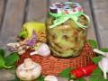Консервированные шампиньоны в сыром зеленом соусе на зиму